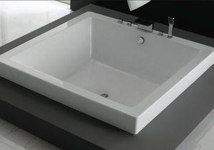 vasca da bagno quadrata in quarzo
