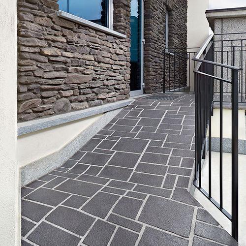 pavimentazione in calcestruzzo stampato / per il settore terziario / testurizzata / effetto lastricato