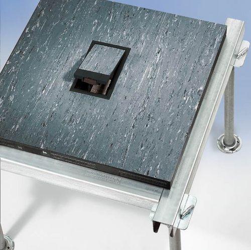 scatola per prese di corrente da incasso / a pavimento / per presa di corrente