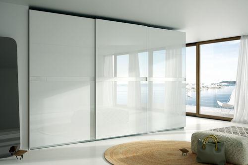 armadio moderno / in vetro laccato / a porte scorrevoli