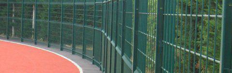 recinzione per campo sportivo / in rete metallica / in metallo
