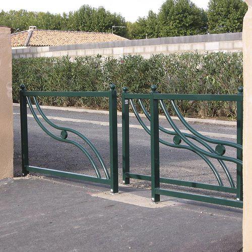 barriera di protezione / fissa / in ghisa / per spazio pubblico