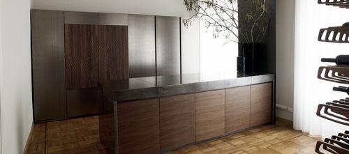cucina moderna / in noce / in frassino / in marmo