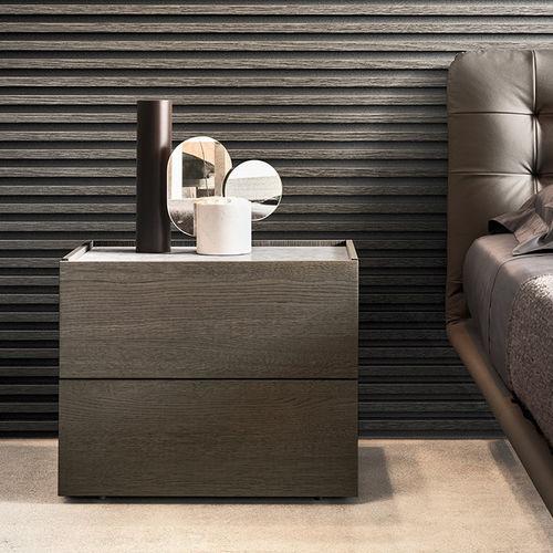 comodino moderno / in legno laccato / rettangolare / con cassetti