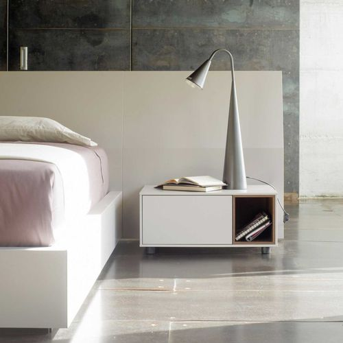 comodino moderno / in legno laccato / in quercia / in noce