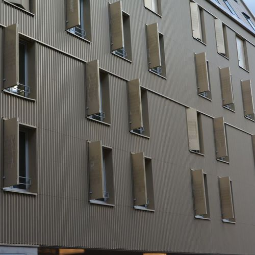 lamiera metallica grecata / in acciaio / per rivestimento di facciata