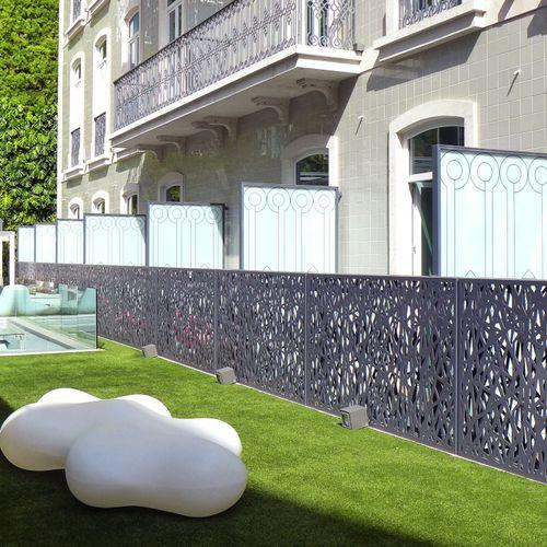 paravento design originale / in metallo / contract / per terrazza
