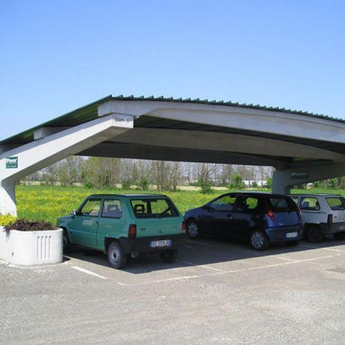 tettoia per posto-auto in calcestruzzo / contract / con pannelli fotovoltaici integrati
