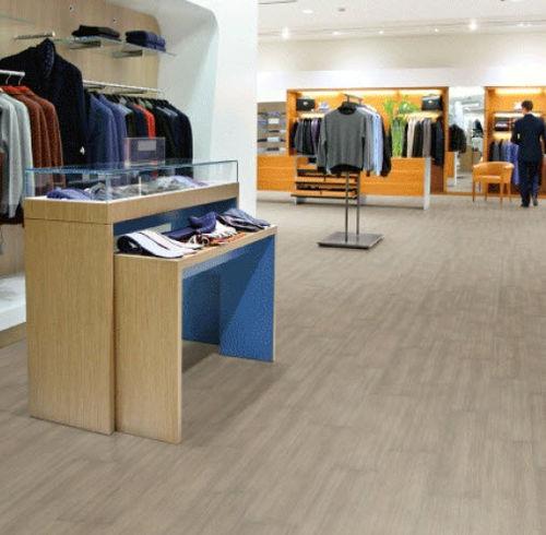 pavimento in PVC / professionale / a quadrotte / a doghe