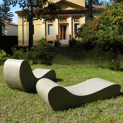 Chaise longue design organico / in cemento / da giardino / per terrazza LAND.5 LOVECEMENT