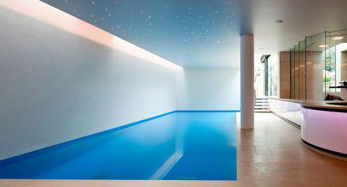 piscina interrata / in calcestruzzo / corridoio di nuoto / da interno