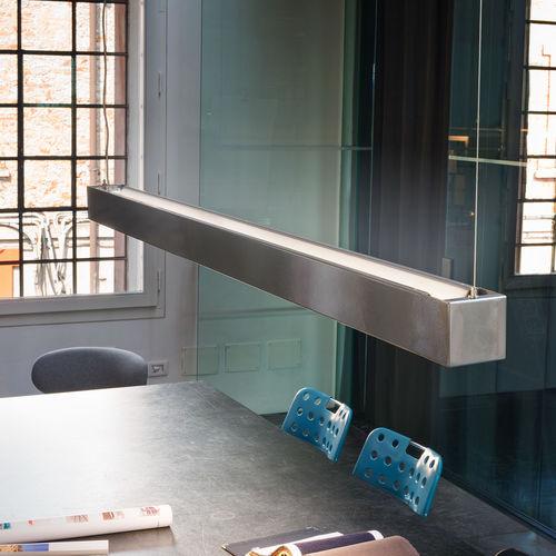 luce a sospensione / LED / lineare / in ferro