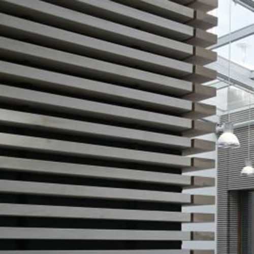 Paramento in legno / da interno / fonoassorbente GRILL/GRID | WOODEN WALL Derako