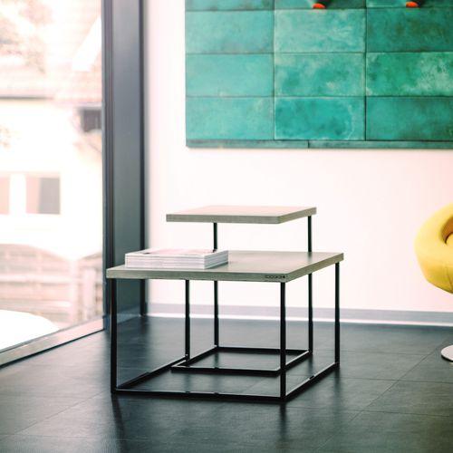 tavolino estraibile moderno / in acciaio laccato / in calcestruzzo / quadrato