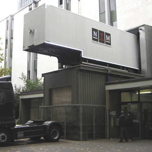 ascensore elettrico / per uso professionale / senza locale macchine