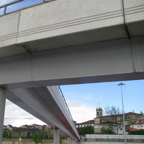 trave prefabbricata / in cemento armato / rettangolare / per costruzione di ponti