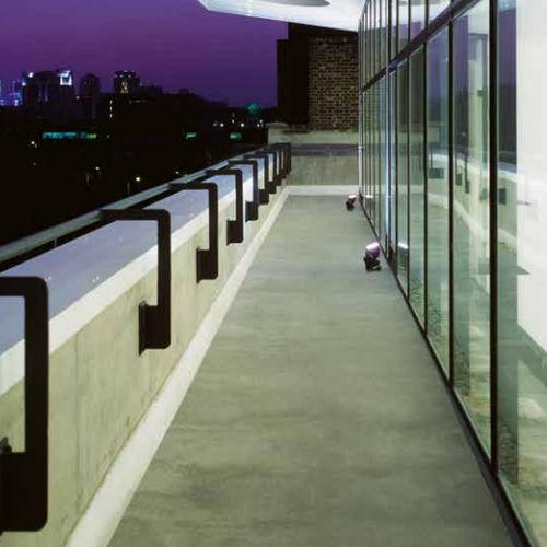 pavimento in poliuretano / per spazio pubblico / aspetto cemento / da esterno
