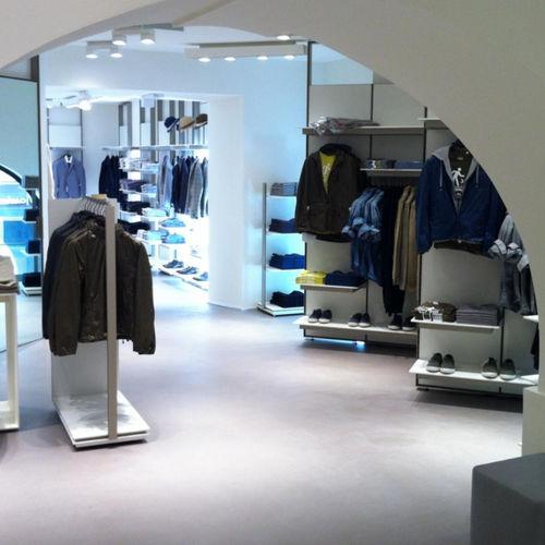 pavimento in resina / per negozio / per il settore terziario / cerato