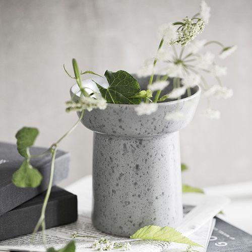 vaso moderno / in pietra