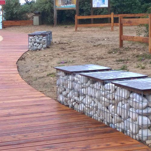 Panca pubblica / da giardino / moderna / in pietra MOBILIER COMPACT ID GABION - L'AGENCE URBAINE