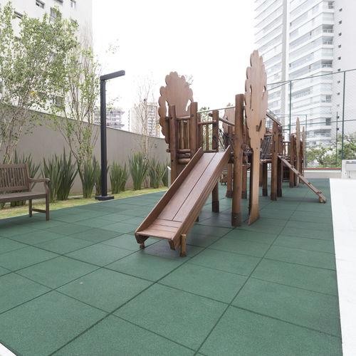 pavimentazione in elastomero / per parco giochi / per spazi pubblici / a quadrotte