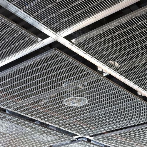 controsoffitto in acciaio inox / in maglia metallica / in pannelli