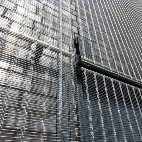 rivestimento di facciata in griglia / in acciaio inossidabile / testurizzato / traslucido