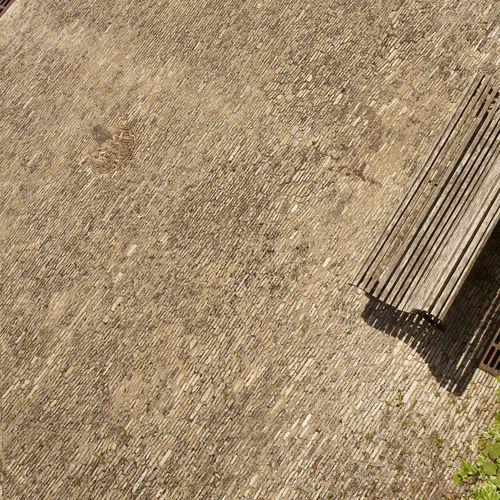 pavimentazione in pietra naturale / da esterno