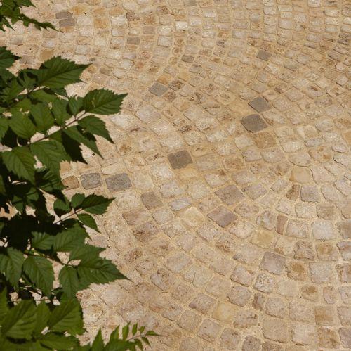pavimentazione in pietra naturale / carrabile / in materiale riciclato