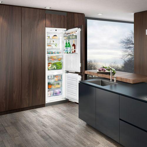 frigorifero combinato ad armadio / bianco / ecologico / con congelatore basso