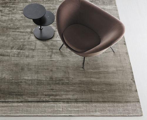 tappeto moderno / a tinta unita / in seta / rettangolare