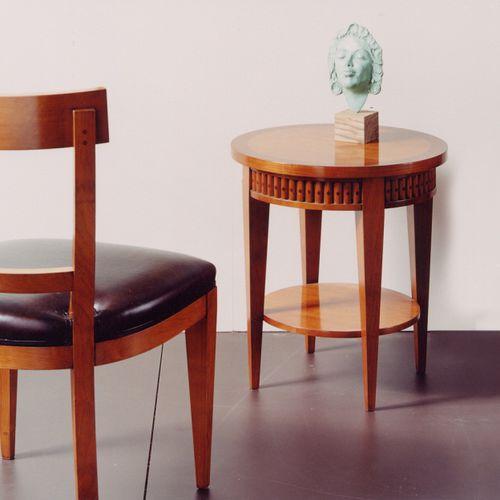 tavolo d'appoggio in stile / in noce / in ciliegio / tondo