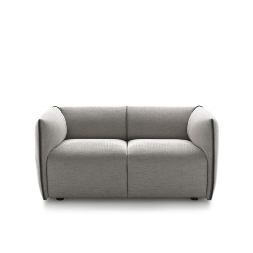 divano compatto / moderno / in tessuto / per uso contract