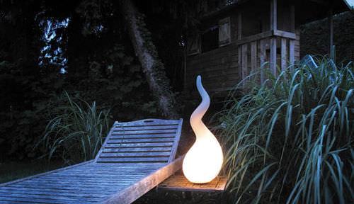 lampada da terra / design originale / in polietilene / da esterno