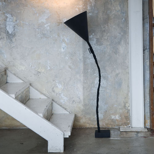 lampada da terra / moderna / in ghisa / in acciaio