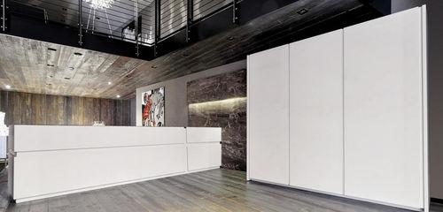 cucina moderna / in legno / con isola / laccata