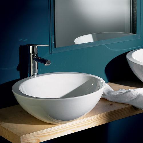 lavabo da appoggio / tondo / in ceramica / moderno