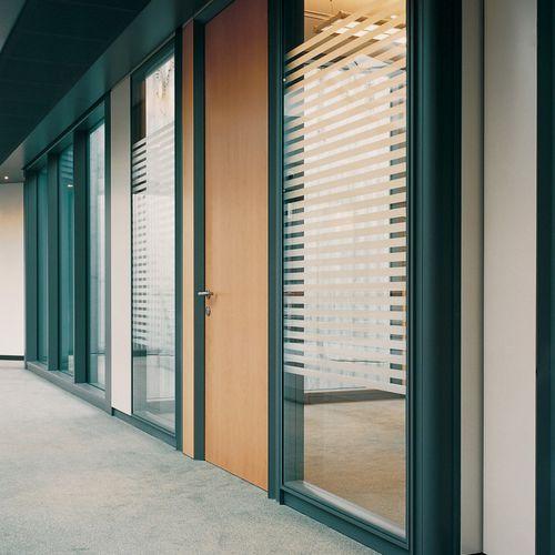 parete amovibile / in legno / vetrata / da ufficio