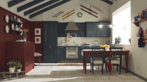 Cucina classica / in legno massiccio / impiallacciata in legno / in ...
