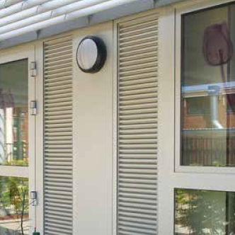 griglia di ventilazione in alluminio / lineare / per telai