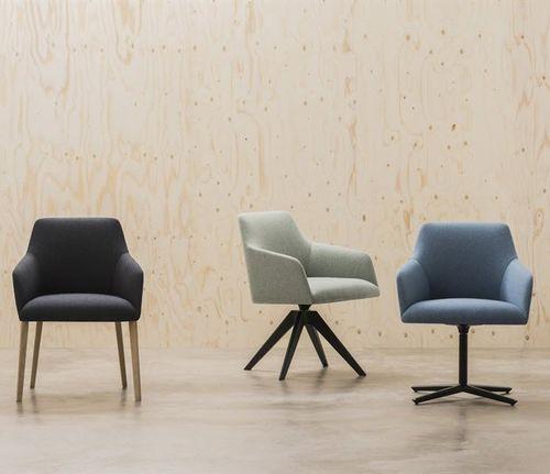 sedia visitatore moderna / con braccioli / imbottita / ergonomica