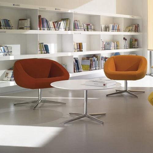 tavolino basso moderno / in alluminio / tondo / da interno