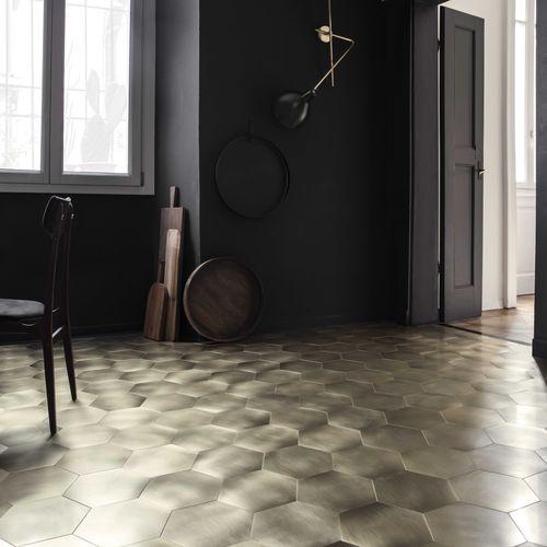 piastrella da interno / da parete / da pavimento / in acciaio