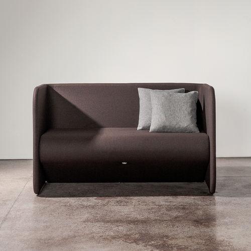 divano moderno / in tessuto / 2 posti / con schienale alto