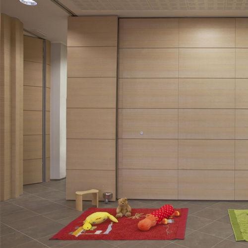 parete scorrevole impilabile / in legno / ad uso professionale / acustica