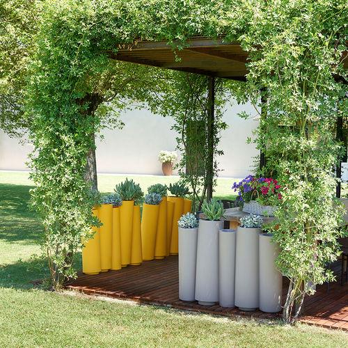 vaso da giardino in polietilene / tondo / luminoso