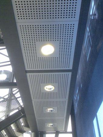 controsoffitto in alluminio / a quadrotte / con griglia