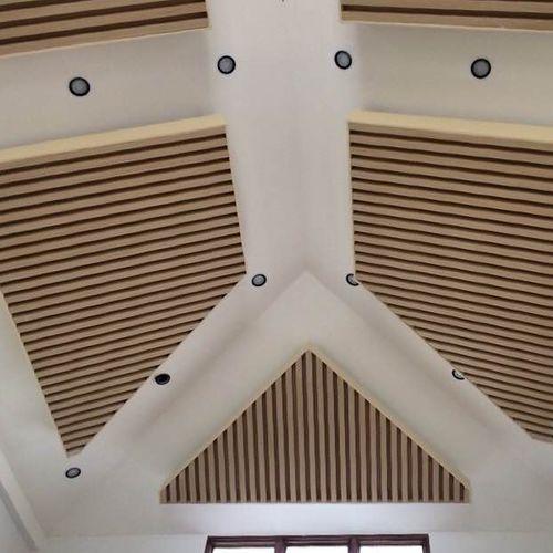 controsoffitto in legno composito / a doghe / decorativo