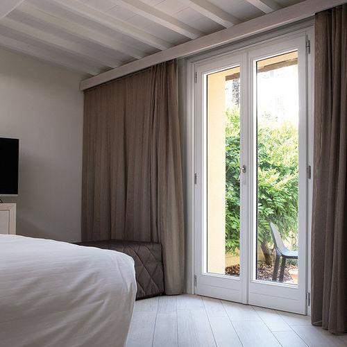 porta finestra battente / in legno / in alluminio / a taglio termico