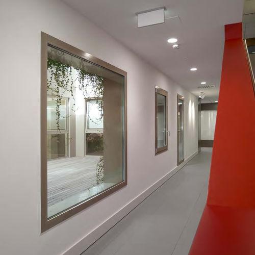 finestra a battente / basculante / fissa / in alluminio